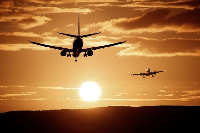aircraft-landing-reach-injection-47044.jpeg